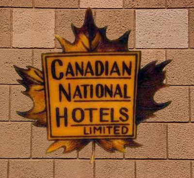 Canadian National Hotels Emblem