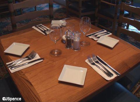 Shutters Table Setting