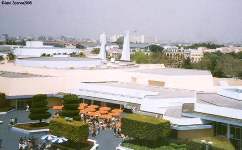 Concourse Tomorrowland Tokyo Disneyland