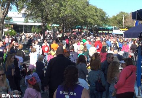 Crowds in Tomorrowland