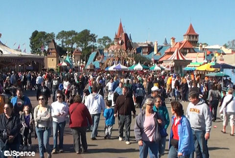 Crowds in Fantasyland