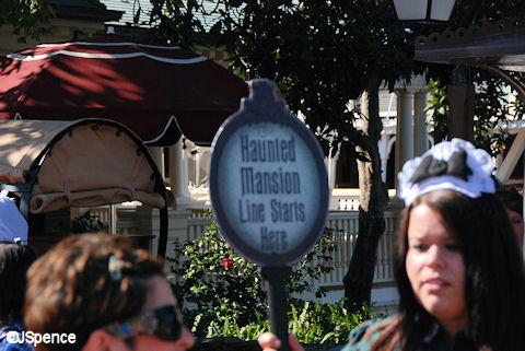 Haunted Mansion Line