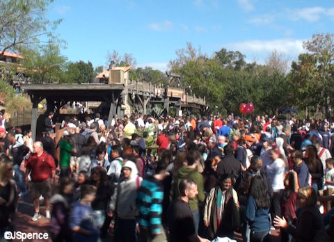 Crowds in Frontierland