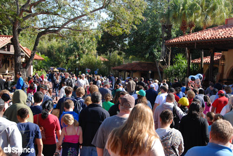 Adventurland Crowds