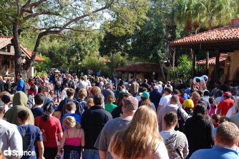Adventurland Crowds