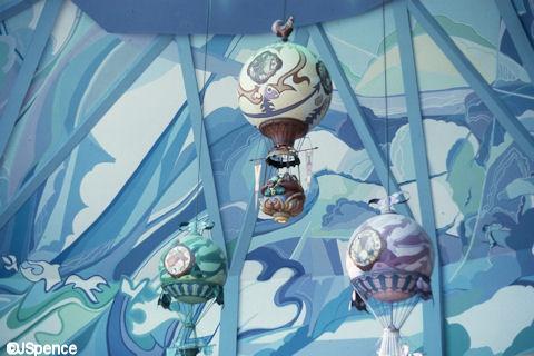 Land Pavilion Balloons