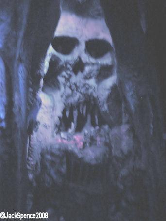 Disneyland Paris, Skull Rock Ben Gunn's Cave