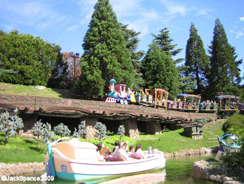 Disneyland Paris Fantasyland Casey Jr