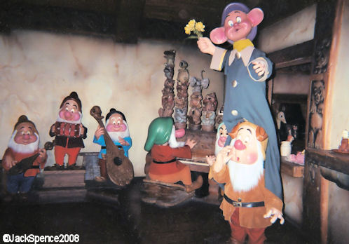 Disneyland Paris Fantasyland Snow-White and the Seven Dwarfs