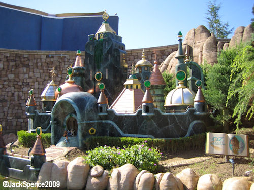 Disneyland Paris Fantasyland Land of the Fairytales Emerald City of Oz