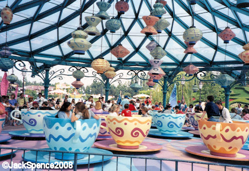 Disneyland Paris Fantasyland Mad Hatter's Tea Cups
