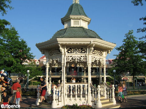 Disneyland Paris Band Stand