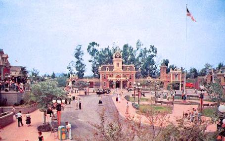 Disneyland%20Postcard.jpg