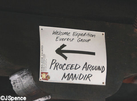 Expedition Group Signs