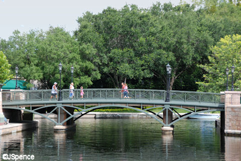 Pont des Arts Bridge (Epcot)