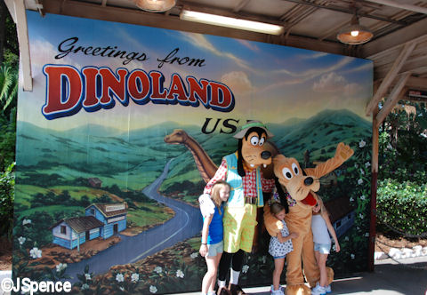 Goofy and Pluto Photo Op
