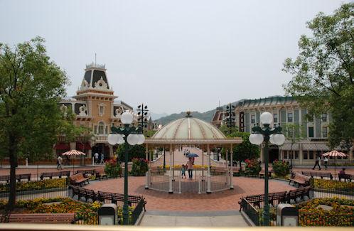 Hong Kong Disneyland Bandstand