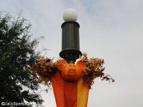 Magic Kingdom Halloween Themeing and Decorations