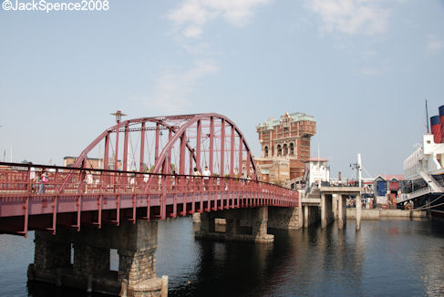 Bridge connecting Cape Cod and the New York Section of the American Waterfront