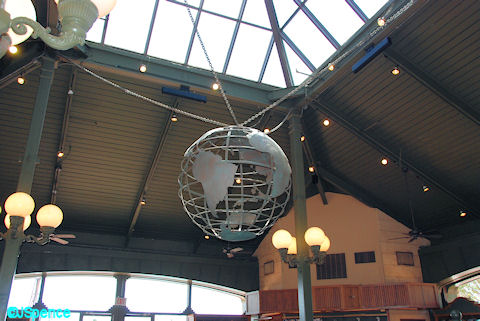 Port of Entry Globe
