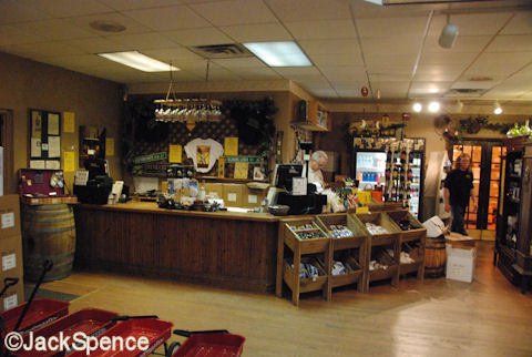 Lakeridge Winery Gift Shop