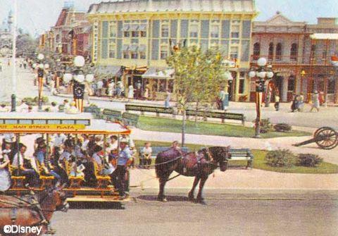 Disneyland's Town Square