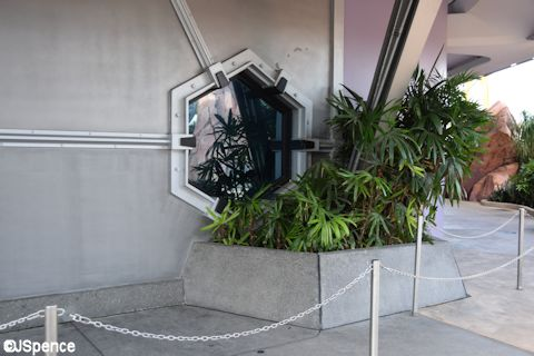 Tomorrowland Planters