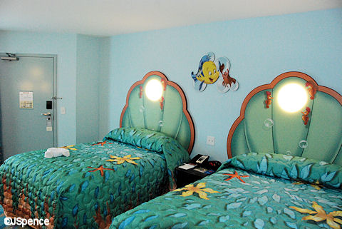 The Light Above Each Bed Is A Giant Bubble And Is Surrounded By Curious  Seahorses. Convenient Light Switches Are Located ...