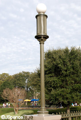 The Hub Lamppost and Speaker