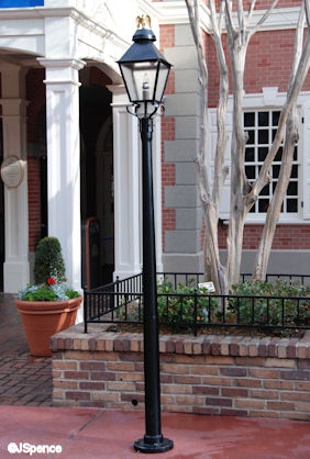 Hall of Presidents Lamppost
