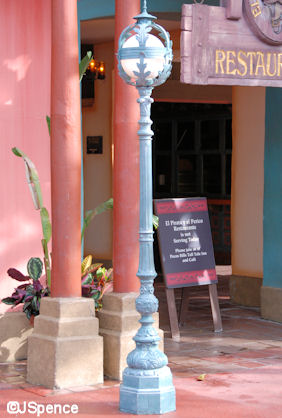 Caribbean Plaza Lamppost