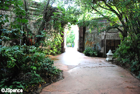 Lodge Enclosure