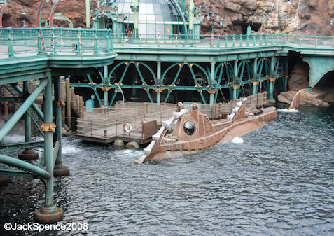 Nautilus Photo Opportunity at at Mysterious Island at Tokyo DisneySea