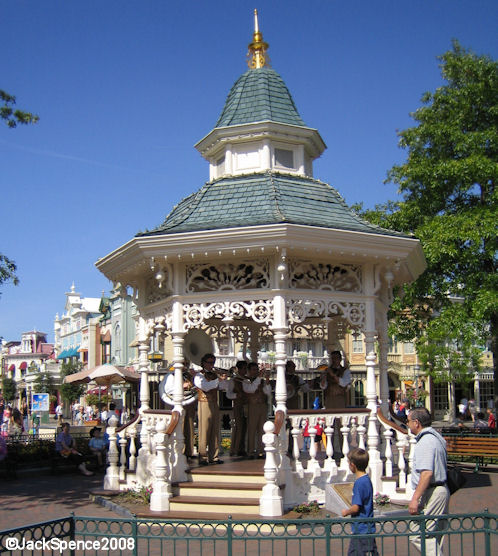 Disneyland Paris Bandstand