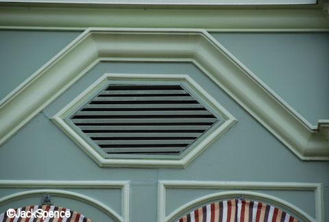 Main Street Speaker