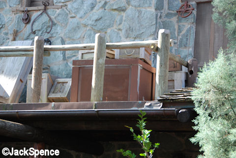 Frontierland Speakers