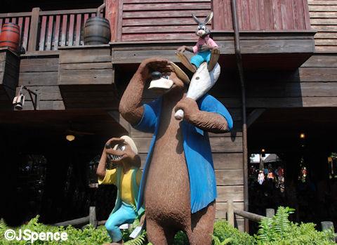 Statue of of Brer Rabbit, Brer Fox, and Brer Bear