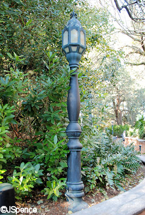 Twilight Zone Lamp Post