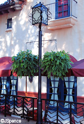 Brown Derby Lamp Post
