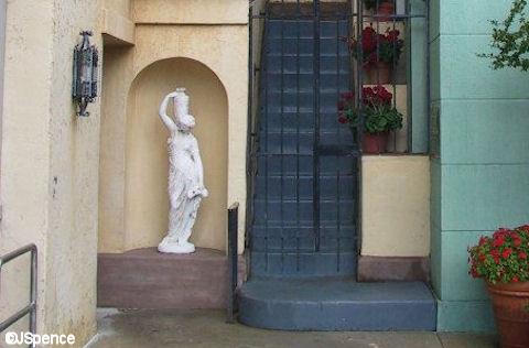 Studio Statue