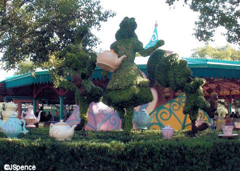 Alice Topiary