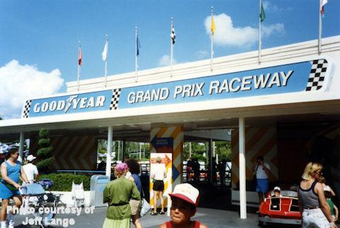 Tomorrowland-Speedway-05a.jpg