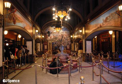 TOT DisneySea Lobby