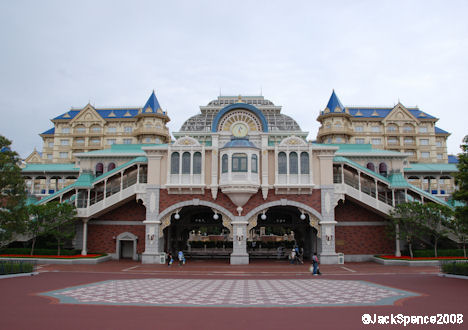 Monorail from MiraCosta or Ambassador hotels to Tokyo Disneyland Station