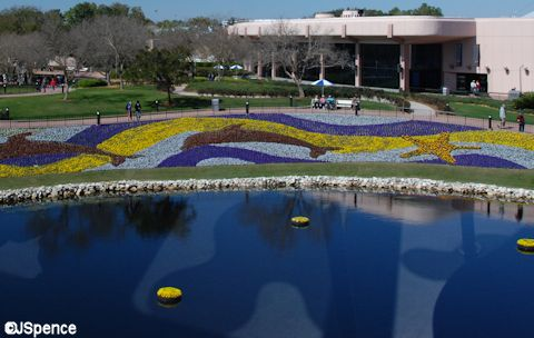 Transition between Future World and World Showcase