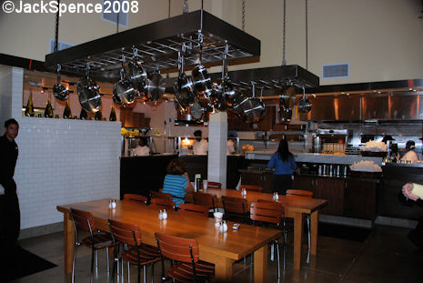 Wolfgang Puck Express Indoor Seating
