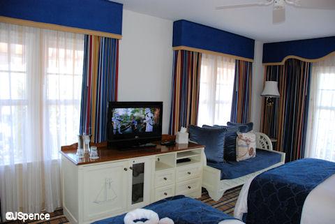 Standard Yacht Room