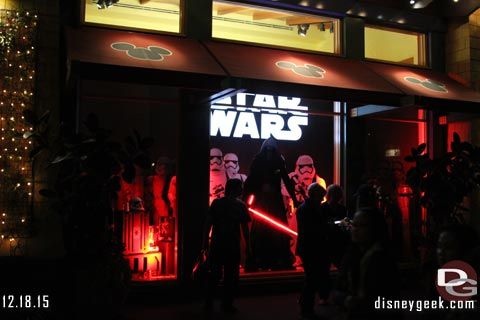 Jason @ disneygeek.com image from Friday, December 18, 2015