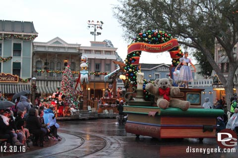 Jason @ disneygeek.com image from Friday, December 30, 2016