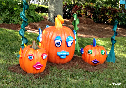 2013-seaworld-spooktacular-fish-pumpkin-family.jpg